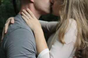 love people kissing romance