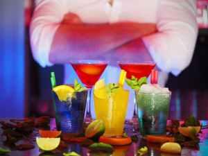 man night bar barman